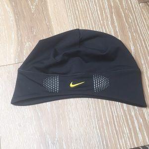 Nike FITDRY Beanie